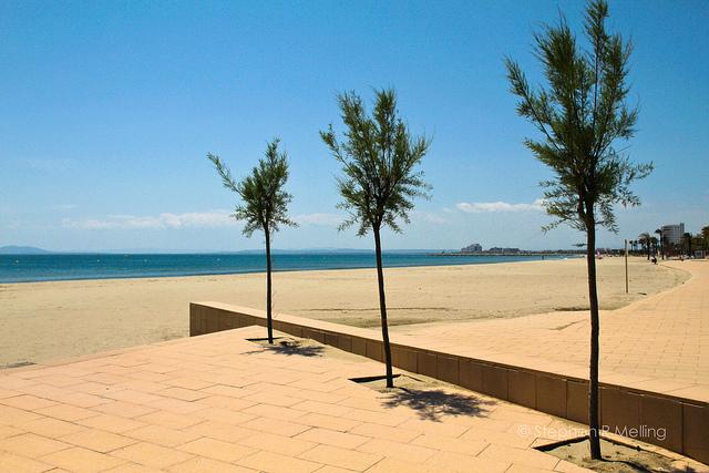 The promenade at Roses beach